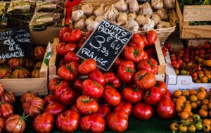 Tomatoes and Garlic at a produce stand